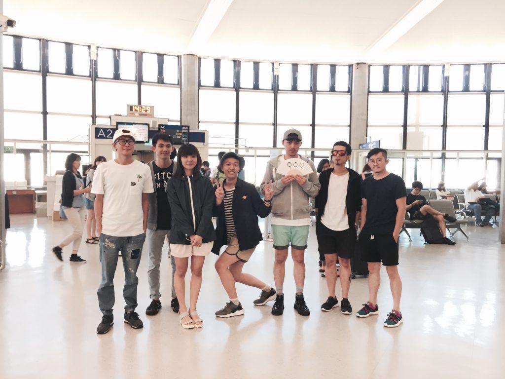 18日三組樂團均分別抵達日本